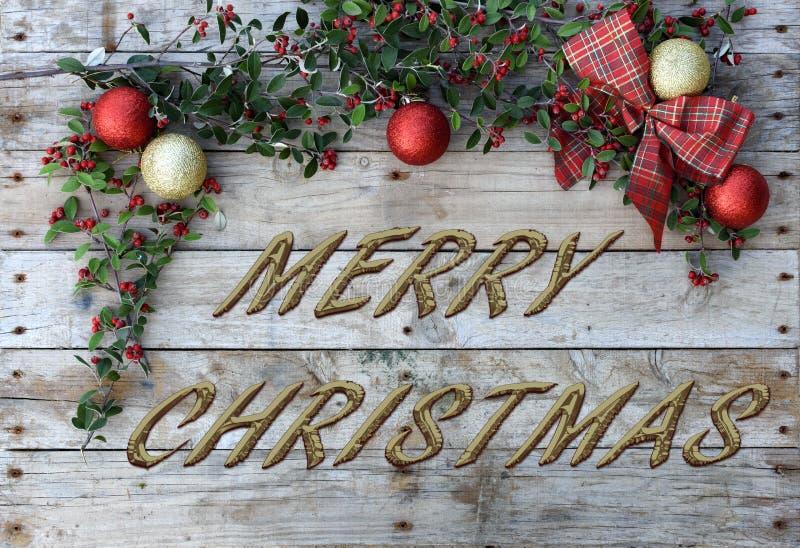 Открытка рождества для приветствий Металлические письма на естественной деревянной предпосылке Красные, золотые и белые обои Xmas стоковое фото