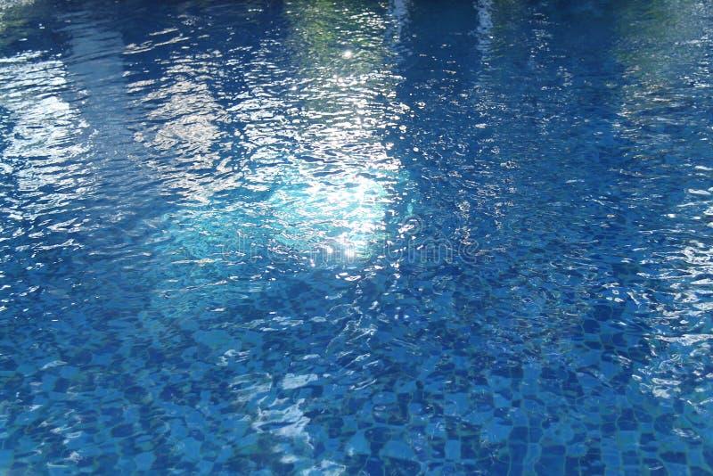 Открытый бассейн, поэтому затишье и ослабляют, версия 9 стоковая фотография