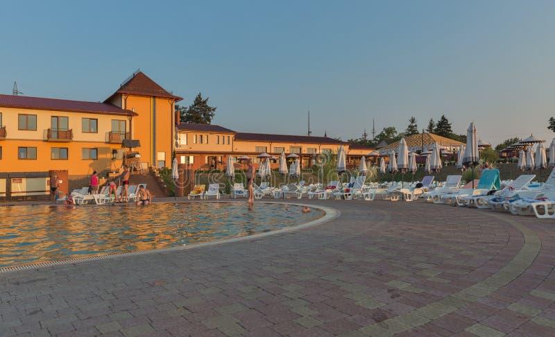 Открытый бассейн Zhayvoronok термальный в Berehove, Украине стоковое фото