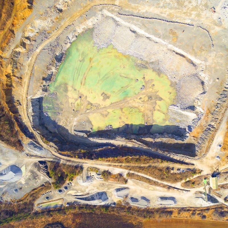 Открытый - шахта бросания стоковое изображение