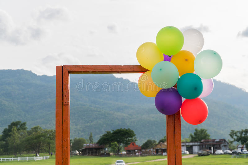 Открыть дверь и воздушный шар стоковое изображение rf