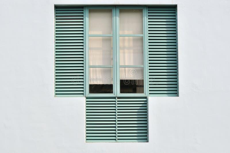 отличаемое окно стоковое фото