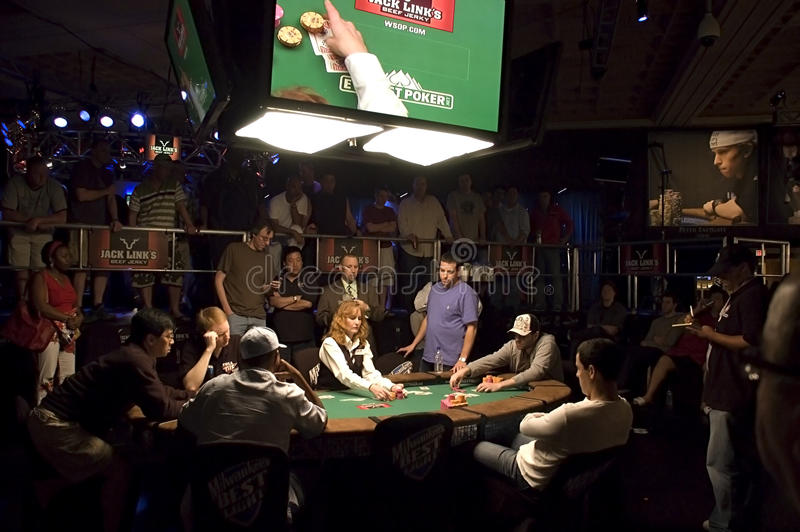 отличаемые серии покера ставят мир на обсуждение стоковая фотография