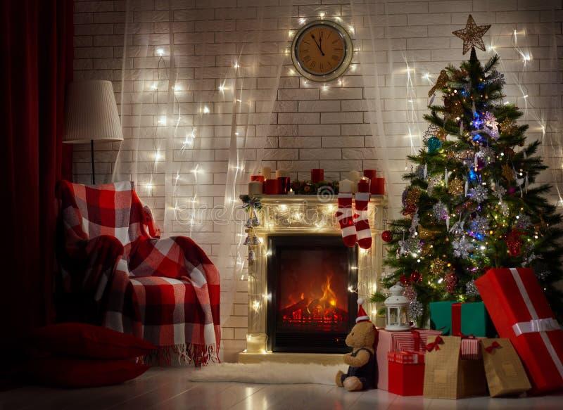 отпразднуйте носить santa мати шлемов дочи рождества торжества стоковое фото rf