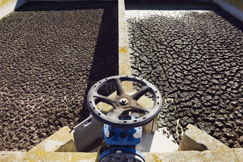 отработанная вода санобработки завода стоковая фотография rf