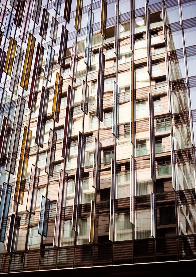 отражение абстрактного зодчества цветастое стоковое фото rf