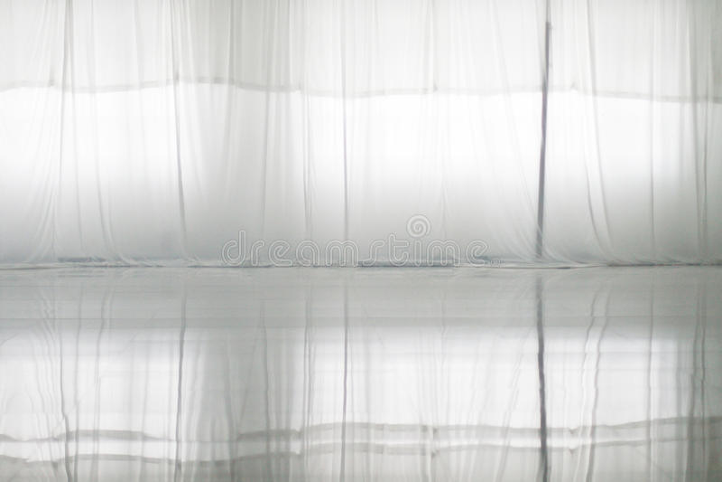 Отражение белого занавеса стоковые фото