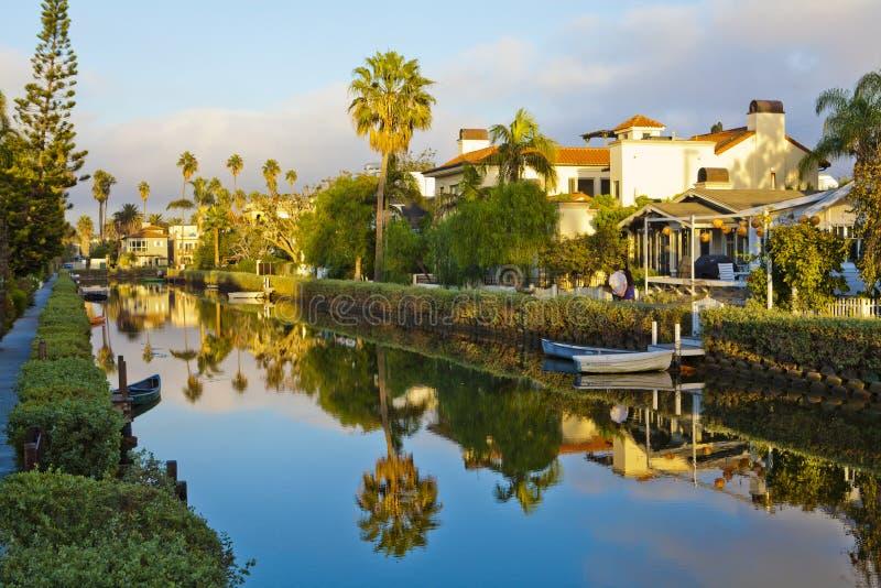 Отражение на каналах в пляж Венеции стоковая фотография rf