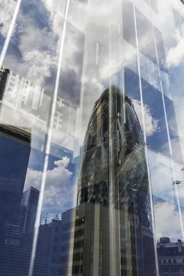 Download Отражение небоскреба корнишона (ось 30 St Mary) Редакционное Фото - изображение насчитывающей bristols, axel: 41661831