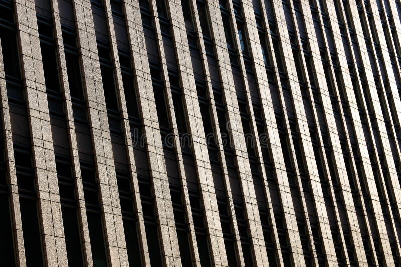 отражение офиса здания стеклянное самомоднейшее стоковые фотографии rf