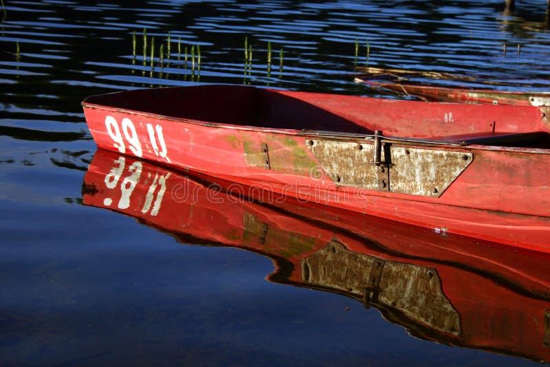 отражение шлюпки стоковое фото rf