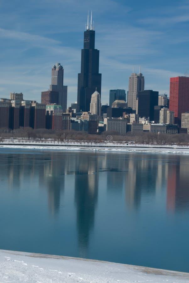 отражение chicago стоковые фотографии rf