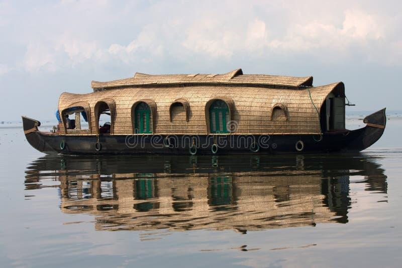 отражение houseboat стоковое фото