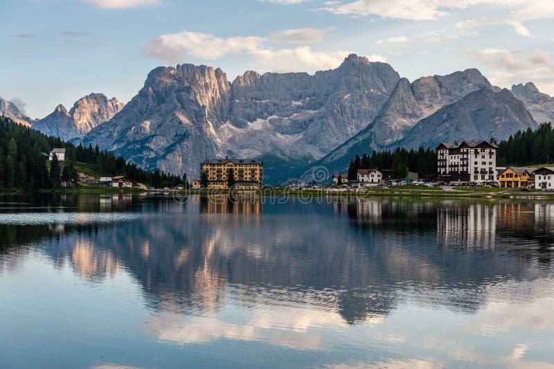 Отражения в озере Misurina стоковые фотографии rf