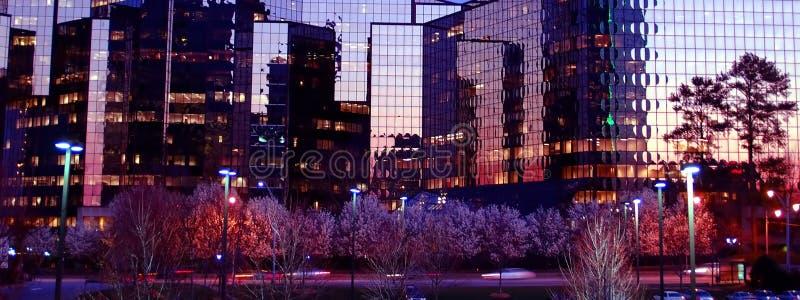 отражения города стоковые фото