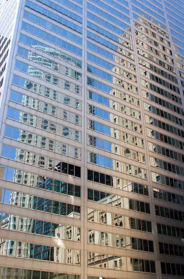 отражения дела здания стоковое фото