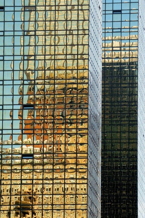 отражения зданий ny стоковые фотографии rf