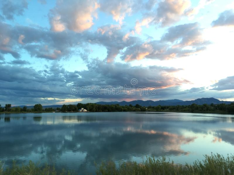 Отражения на воде стоковое фото
