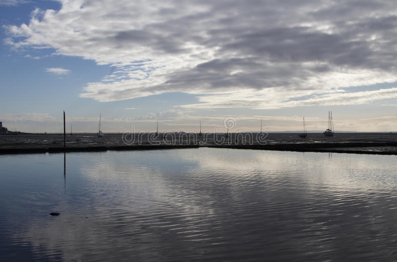 Отражения на Leigh-на-море, Essex, Англии стоковые фото