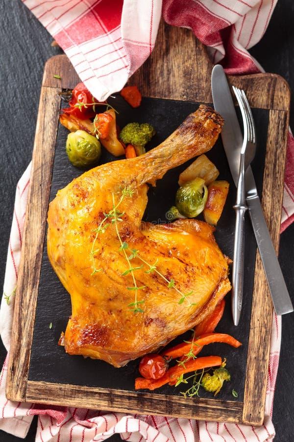 отрезанное сырцовое цыпленка стоковые изображения rf