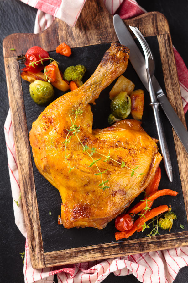 отрезанное сырцовое цыпленка стоковое фото rf
