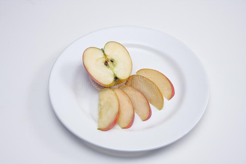 отрезанное яблоко стоковые фотографии rf