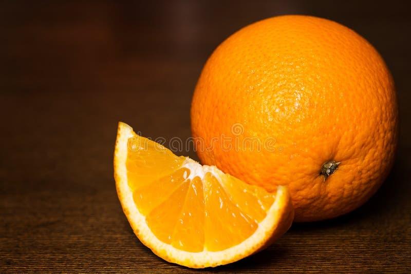 Отрезанные и все апельсины стоковое фото rf