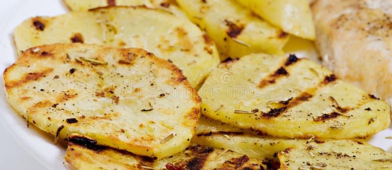Отрезанные картошки стоковое изображение
