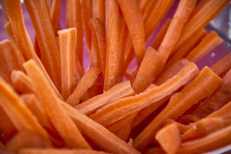 Отрезанные моркови в Julienne стоковое фото