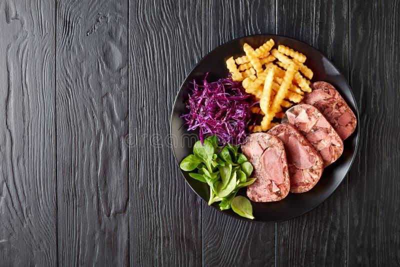 Отрезанный паштет языка и мяса говядины стоковые фото