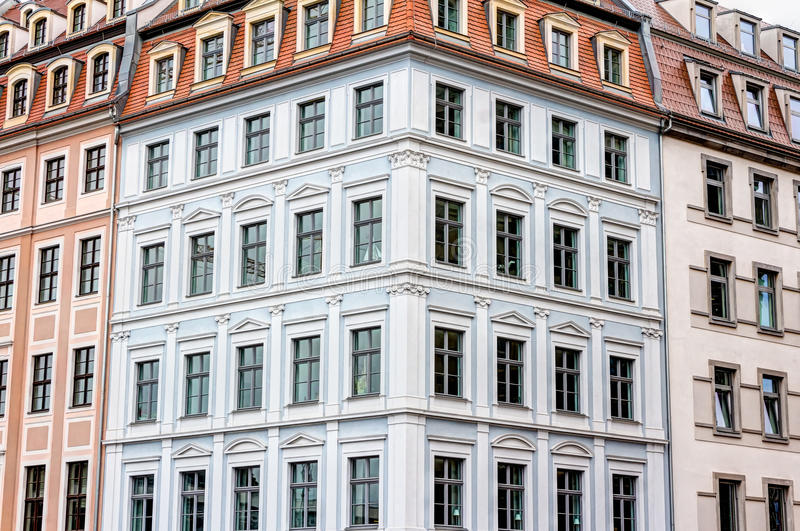 Отстраиванные заново здания в Дрездене стоковая фотография
