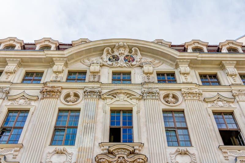 Отстраиванные заново здания в Дрездене стоковые фото