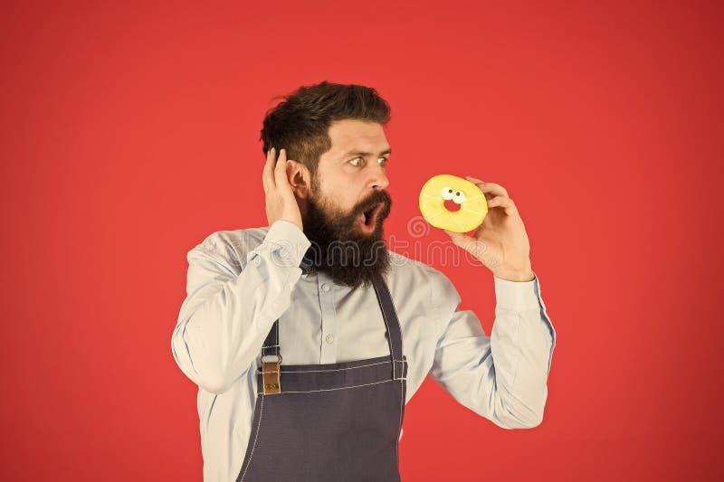 Отсутствие пути Истинные факты о сахаре Владением хлебопека хипстера донут бородатым застекленный на красной предпосылке Кафе и к стоковые изображения