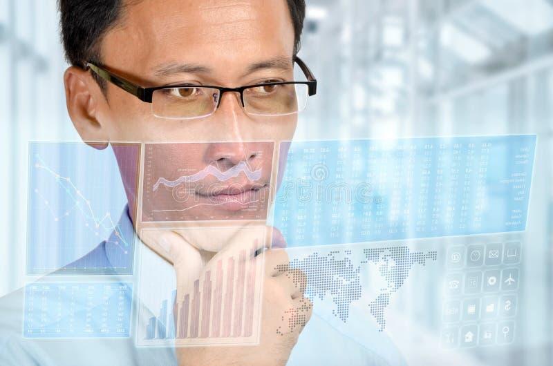 отчет о бизнесмена цифровой стоковое фото rf