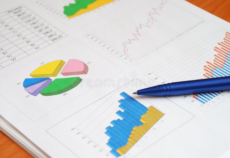 отчет о финансов стоковая фотография