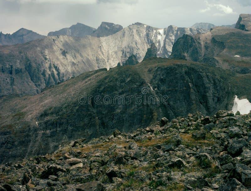 От пика Hallett в диапазоне фронта, континентальный водораздел, национальный парк скалистой горы, Колорадо стоковые изображения
