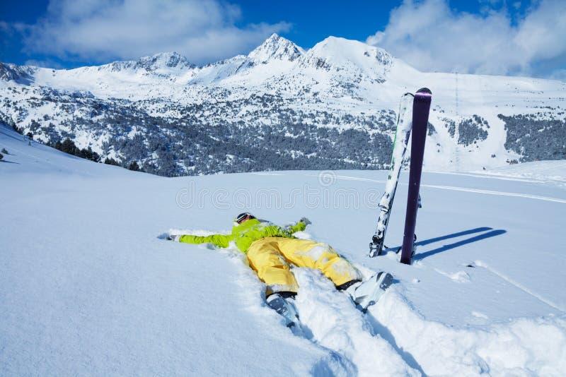 Отдыхать в снеге стоковые изображения rf