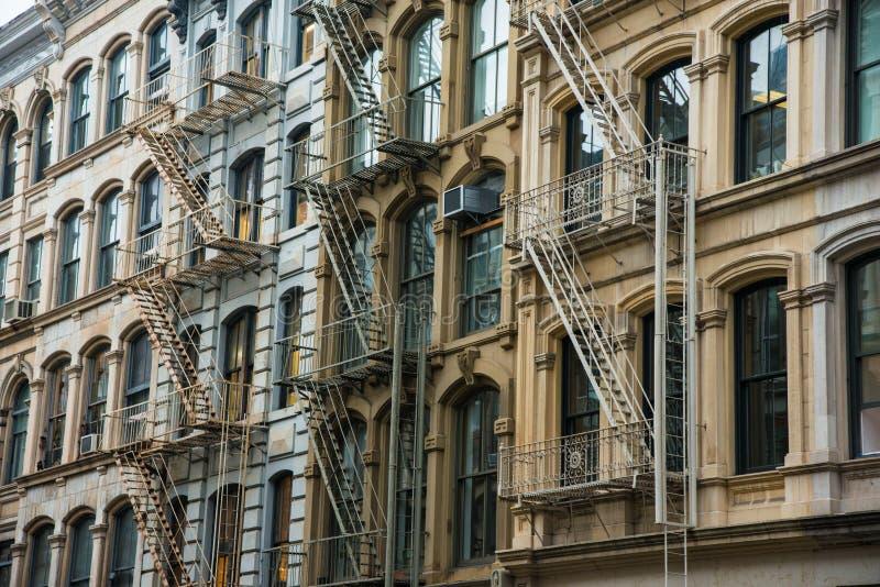 Офисное здание в районе Soho Нью-Йорка стоковые фотографии rf