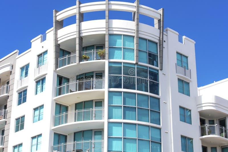 Офисное здание в Miami Beach стоковое фото rf
