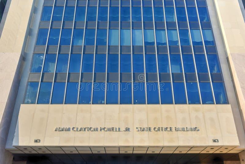 Офисное здание положения Adam Clayton Пауэлл - NYC стоковая фотография