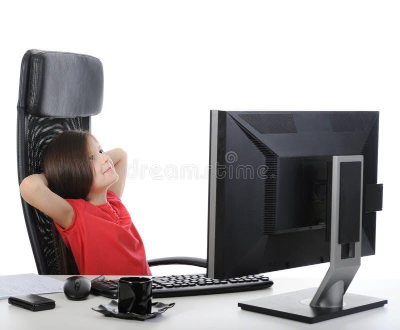 офис девушки компьютера передний стоковые фото