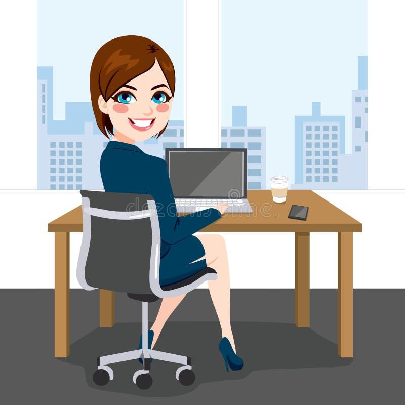 Офис женщины сидя работая бесплатная иллюстрация