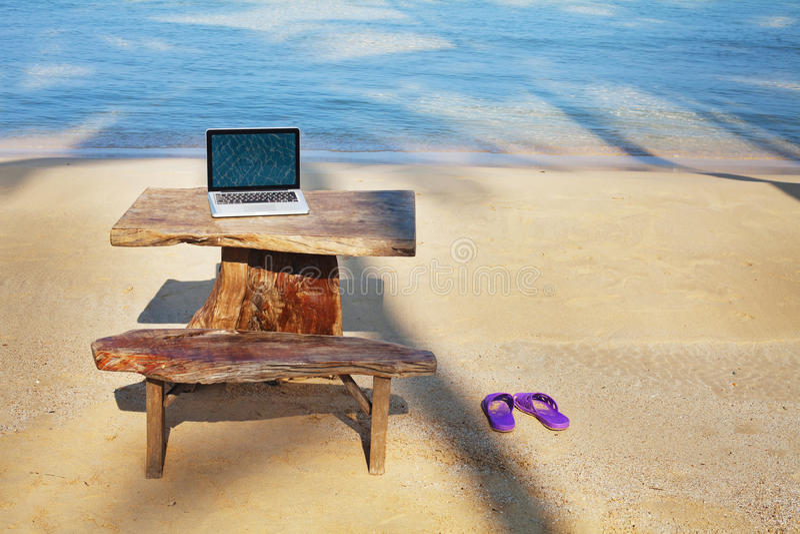 Офис на пляже стоковое фото rf