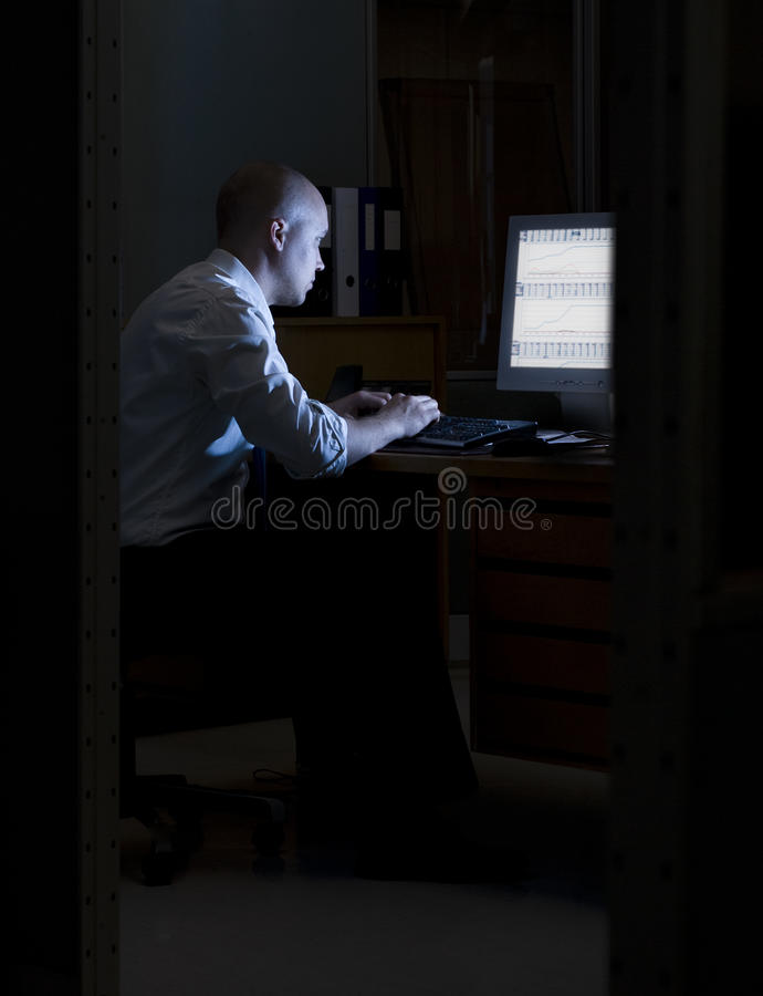 офис ночи стоковое фото rf