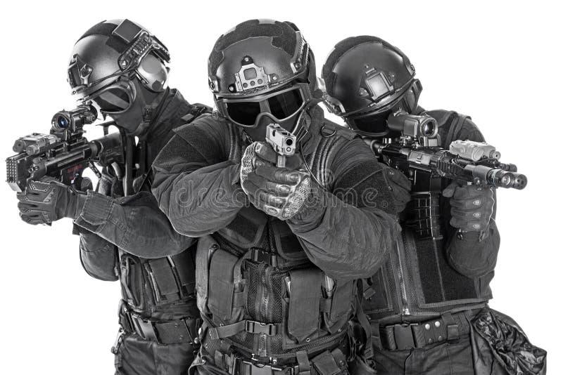 Офицеры СВАТ стоковые изображения rf