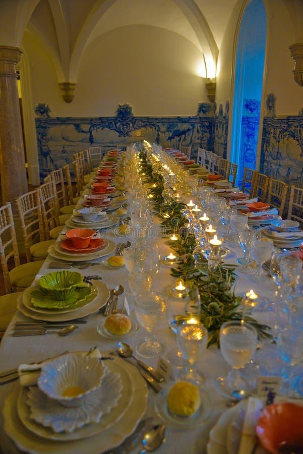 Официальныйо обед, украшение таблиц банкета, свадьба или событие дня рождения стоковые фотографии rf