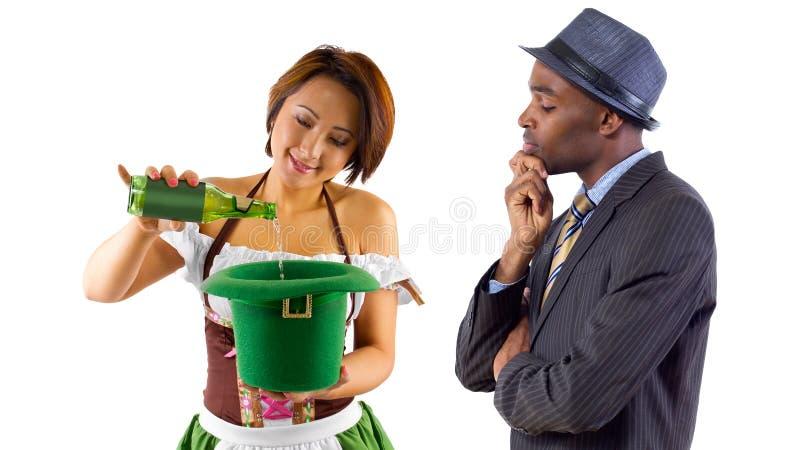 Официантка и клиент стоковое фото