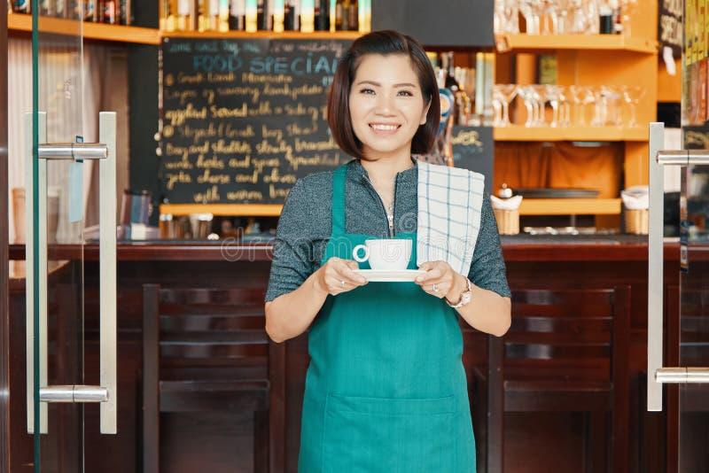 Официантка Coffeeshop стоковые изображения rf