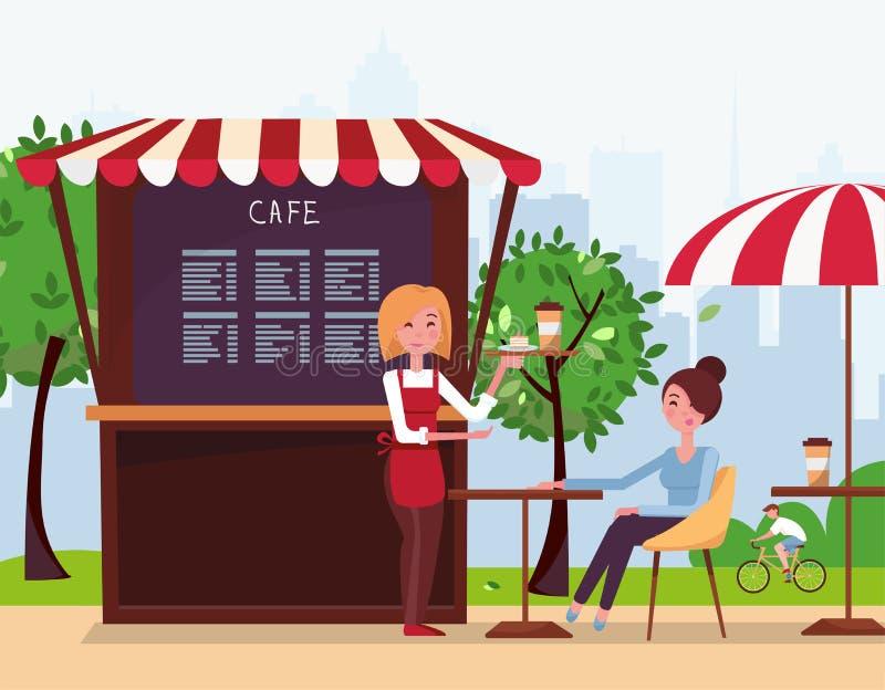 Официант маленькой девочки принес заказ к клиенту Небольшая кофейня улицы с тентом в парке города Напитки девушки иллюстрация штока