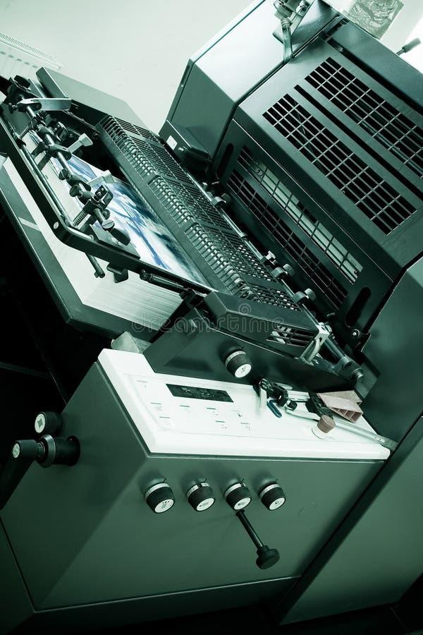 офсетная печать машины стоковое изображение